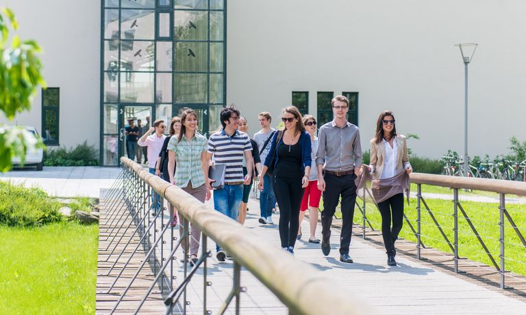 Students in front of the building for computer science and mathematics