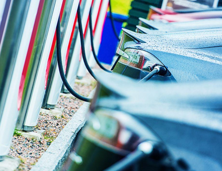 Stromnetz fit für E-Mobilität machen