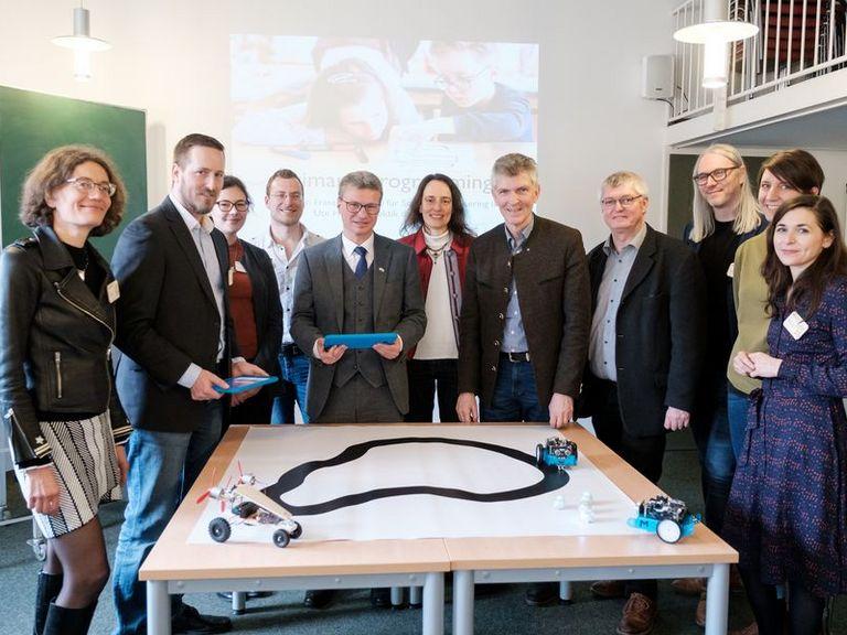 Lehrerbildung im digitalen Zeitalter: Freistaat und Bund fördern zukunftsweisendes Konzept der Universität Passau